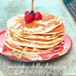 Pancakes della domenica (con sciroppo d'acero e frutti rossi)