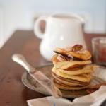 Mini pancakes con burro alla cannella di Donna Hay