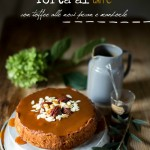 Torta al caffè con toffee alle noci pecan e mandorle