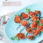 Vongole gratinate con ripieno di pomodori secchi,'nduja e anacardi tostati
